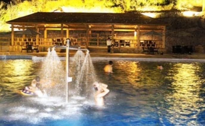 皇姑浴温泉11