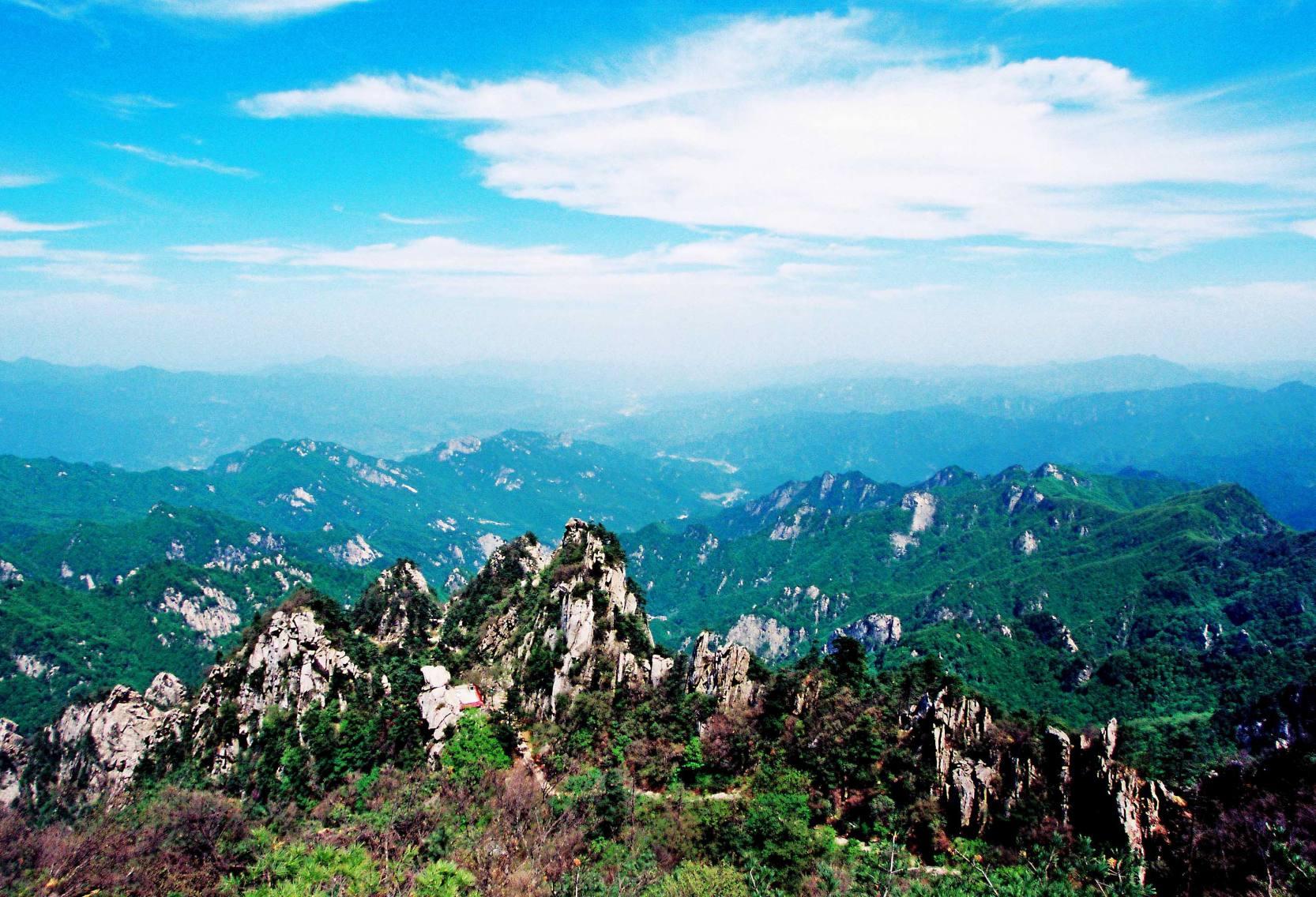 石人山——竞秀峰